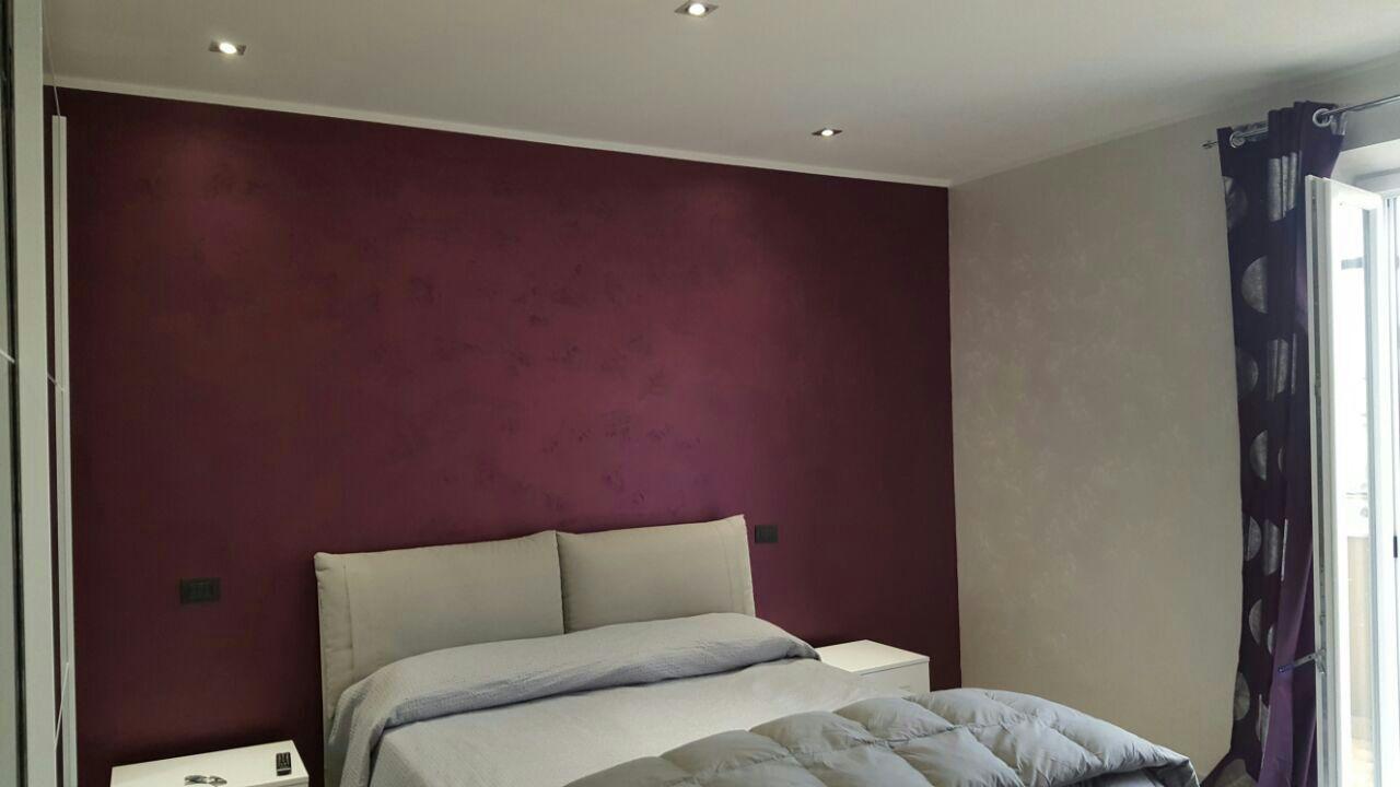 Colore Pareti Bordeaux : Parete bordeaux colore pareti camera da letto bordeaux